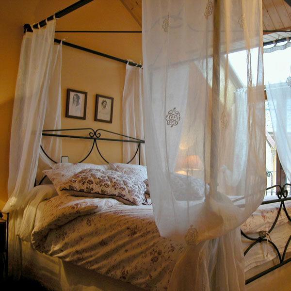 Calderuelas es una romántica casa rural con chimenea en Rascafría. Casas Rurales Valle de El Paular