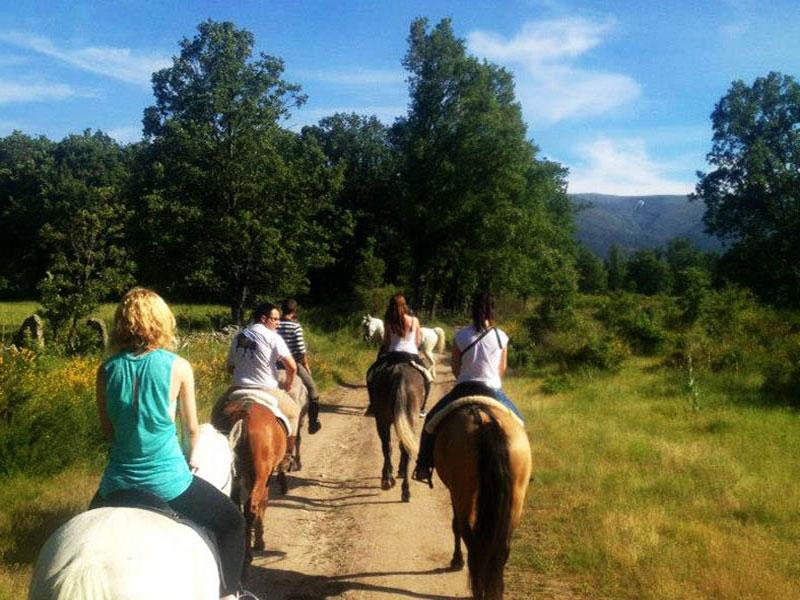Rutas a caballo por Rascafría